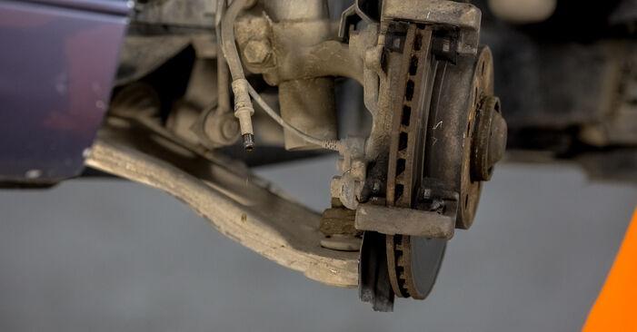 Zweckdienliche Tipps zum Austausch von Bremssattel beim BMW 3 Limousine (E46) 320i 2.2 2004