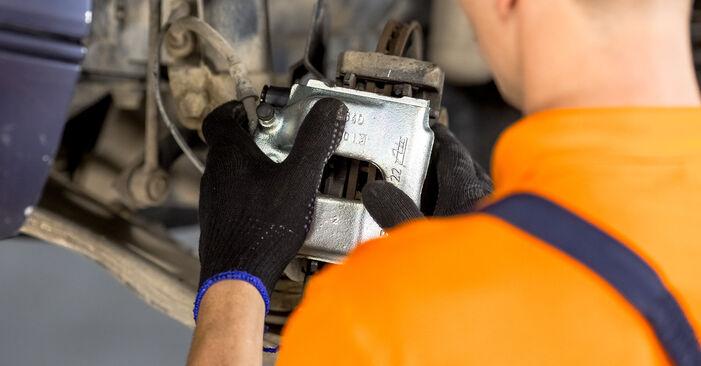 Bremssattel BMW E46 320i 2.2 2000 wechseln: Kostenlose Reparaturhandbücher