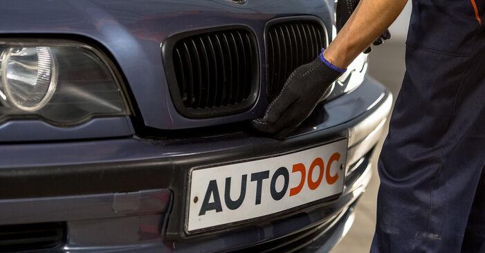 BMW E46 330d 2.9 2000 Piekare nomaiņa: bezmaksas remonta rokasgrāmatas