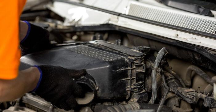 Kuinka poistaa TOYOTA RAV4 2.4 4WD 2004 -auton Sytytystulpat - helposti seurattavat online-ohjeet