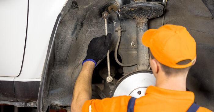 Wie schwer ist es, selbst zu reparieren: Stoßdämpfer Toyota Rav4 II 2.4 4WD (ACA23, ACA22) 2000 Tausch - Downloaden Sie sich illustrierte Anleitungen
