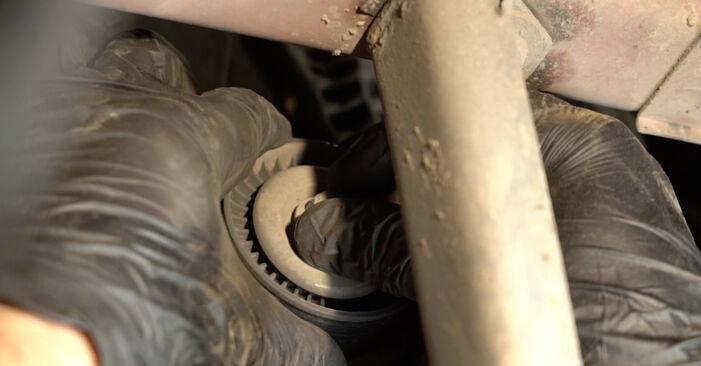 Wechseln Wasserpumpe + Zahnriemensatz am SEAT Ibiza III Schrägheck (6L) 1.9 SDI 2005 selber