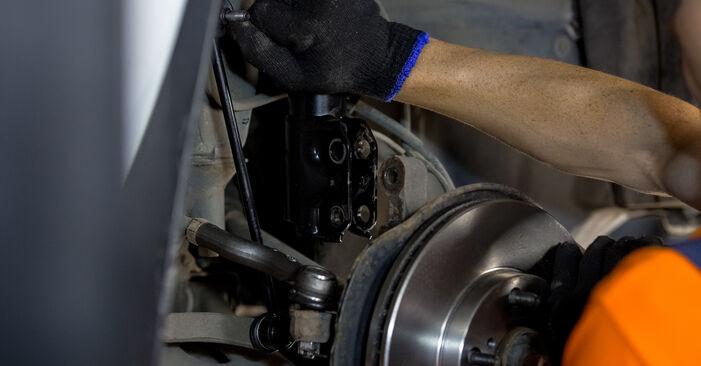 Înlocuirea TOYOTA RAV4 2.4 4WD (ACA23) Arc spirala: ghidurile online și tutorialele video