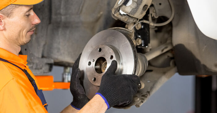 How to replace Wheel Bearing on TOYOTA RAV 4 II (CLA2_, XA2_, ZCA2_, ACA2_) 2005: download PDF manuals and video instructions