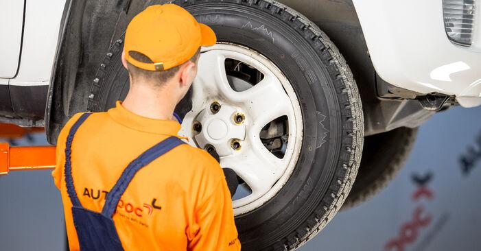 How to change Wheel Bearing on TOYOTA RAV 4 II (CLA2_, XA2_, ZCA2_, ACA2_) 2000 - tips and tricks