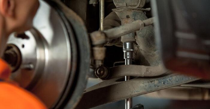Querlenker beim TOYOTA RAV4 1.8 4WD 2001 selber erneuern - DIY-Manual