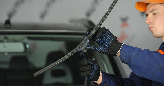 Nissan X Trail t30 2.2 Di 4x4 2003 Wiper Blades replacement: free workshop manuals