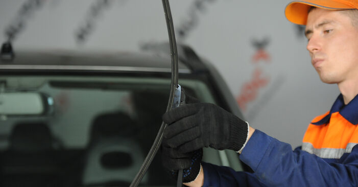Changing Wiper Blades on NISSAN X-TRAIL (T30) 2.0 4x4 2004 by yourself
