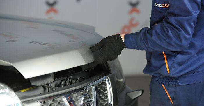 Tausch Tutorial Kraftstofffilter am NISSAN X-TRAIL (T30) 2013 wechselt - Tipps und Tricks