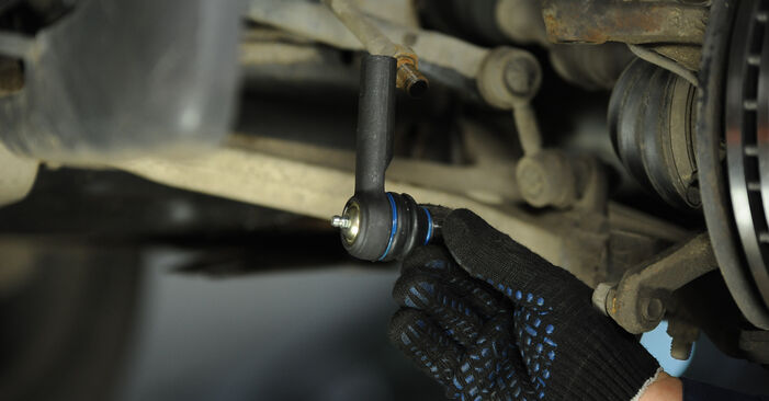 Vaihtaa Raidetangon Pää itse Nissan X Trail t30 2011 2.2 dCi 4x4 -autoon