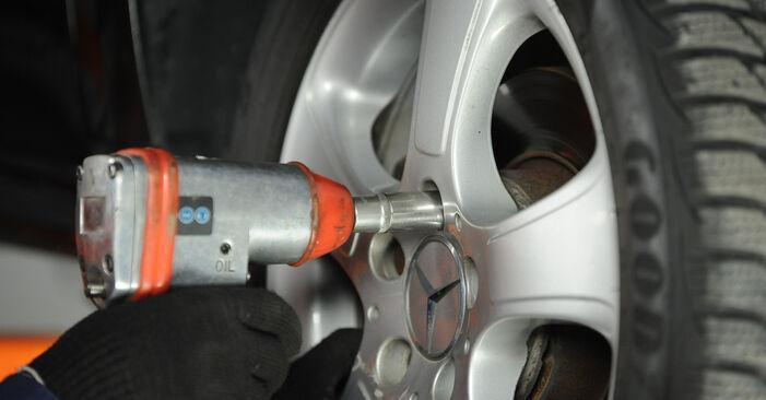 Wie Koppelstange Mercedes W169 A 180 CDI 2.0 (169.007, 169.307) 2004 tauschen - Kostenlose PDF- und Videoanleitungen