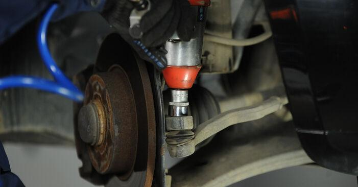 Wie schwer ist es, selbst zu reparieren: Spurstangenkopf Mercedes W169 A 200 2.0 (169.033, 169.333) 2010 Tausch - Downloaden Sie sich illustrierte Anleitungen