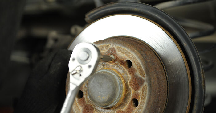 Step-by-step recommendations for DIY replacement Mercedes W169 2008 A 200 CDI 2.0 (169.008, 169.308) Brake Discs