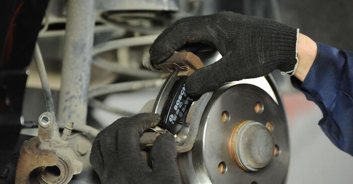 Bytte A-Klasse (W169) A 200 CDI 2.0 (169.008, 169.308) 2006 Bremseklosser – gjør det selv med vår veiledning