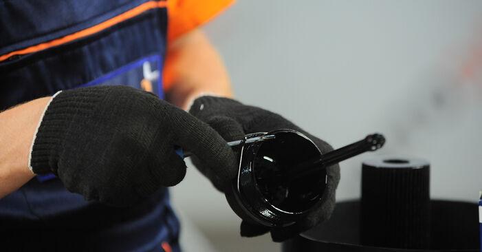 VW SHARAN 1.8 T 20V Ölfilter ausbauen: Anweisungen und Video-Tutorials online