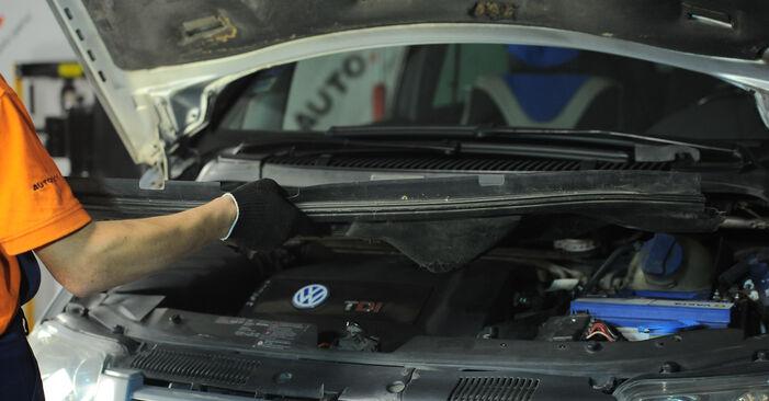 Hvor svært er det at gør-det-selv: Fjeder udskiftning på VW Sharan 1 2.8 V6 24V 2001 - hent illustreret vejledning