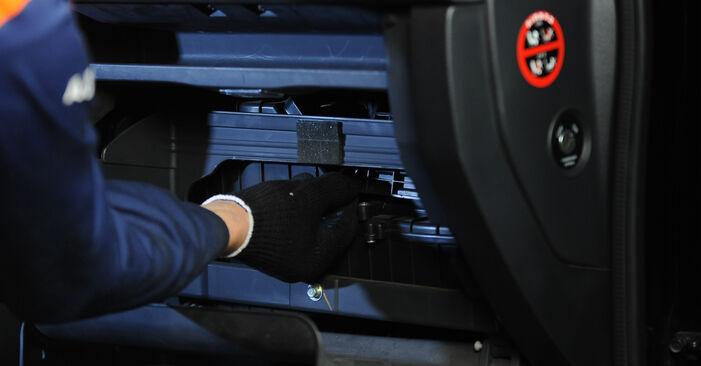 Innenraumfilter KIA Sorento jc 3.5 V6 2004 wechseln: Kostenlose Reparaturhandbücher