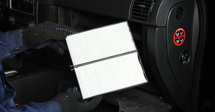 Innenraumfilter beim KIA SORENTO 3.5 V6 2009 selber erneuern - DIY-Manual