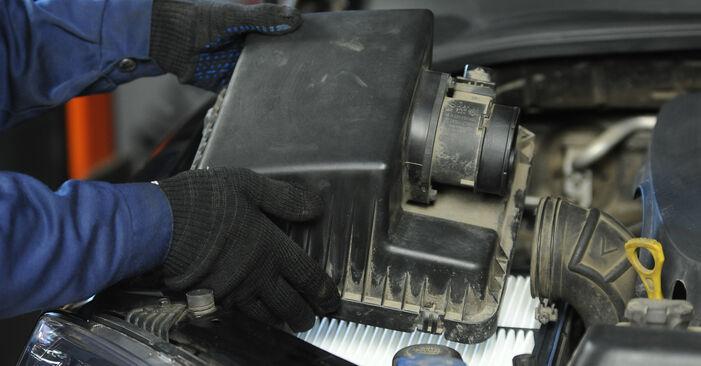 Vaihtaa Ilmansuodatin itse KIA Sorento jc 2012 2.5 CRDi -autoon