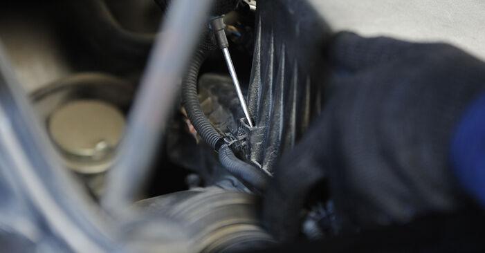 Vaihtaa Ilmansuodatin itse KIA SORENTO I (JC) 3.3 V6 2005 -autoon