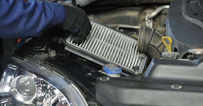 Kuinka kauan vaihtaminen kestää: Ilmansuodatin KIA Sorento jc 2010 -autoon - informatiivinen PDF-käsikirja