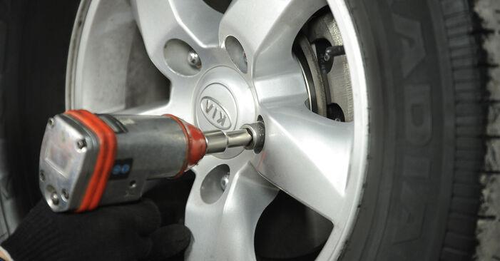 KIA SORENTO 2009 Spurstangenkopf Schrittweise Anleitungen zum Wechsel von Autoteilen