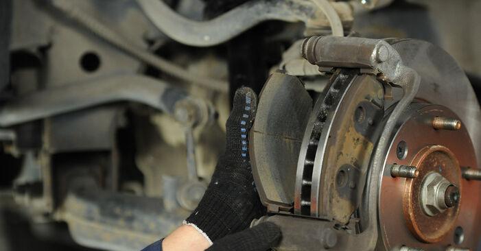 Wie lange braucht der Teilewechsel: Bremsbeläge am KIA Sorento jc 2010 - Einlässliche PDF-Wegleitung