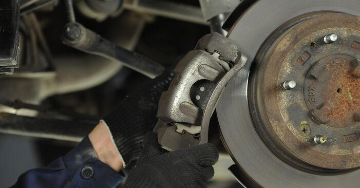 KIA SORENTO 2009 Bremsscheiben Schrittweise Anleitungen zum Wechsel von Autoteilen