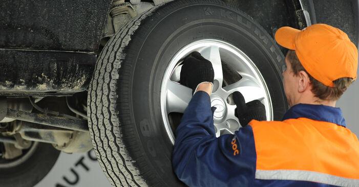 Wie man KIA SORENTO 3.5 2006 Bremsscheiben wechselt – Leicht verständliche Wegleitungen online