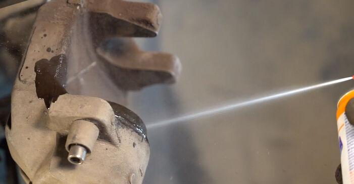 Tausch Tutorial Bremsbeläge am KIA SORENTO I (JC) 2014 wechselt - Tipps und Tricks