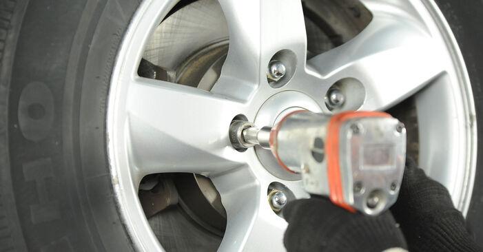 Wie KIA SORENTO 3.5 2006 Bremsbeläge ausbauen - Einfach zu verstehende Anleitungen online