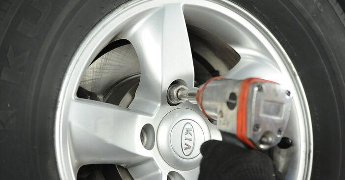 Wechseln Bremsbeläge am KIA SORENTO I (JC) 3.3 V6 2005 selber