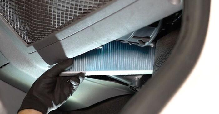 Kuidas vahetada välja VW Transporter V Van (7HA, 7HH, 7EA, 7EH) 2008 Salongifilter: laadige alla kasutusjuhendid PDF vormis ja video juhised