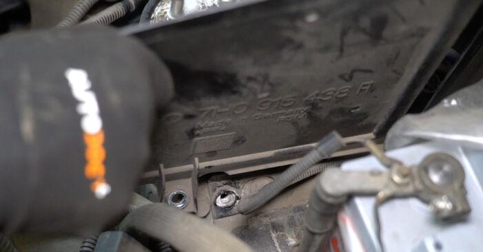 Înlocuirea VW TRANSPORTER 2.5 TDI Filtru combustibil: ghidurile online și tutorialele video