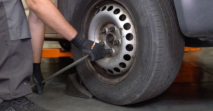 How to replace VW Transporter V Van (7HA, 7HH, 7EA, 7EH) 2.5 TDI 2004 Brake Calipers - step-by-step manuals and video guides