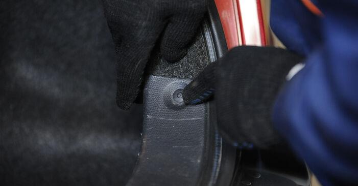 Stoßdämpfer beim SUZUKI SWIFT 1.5 4x4 (RS 415) 2012 selber erneuern - DIY-Manual