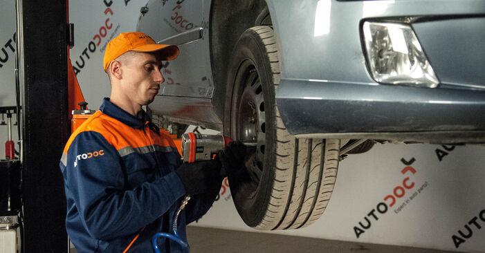 Spurstangenkopf Peugeot 407 Limousine 2.0 2006 wechseln: Kostenlose Reparaturhandbücher