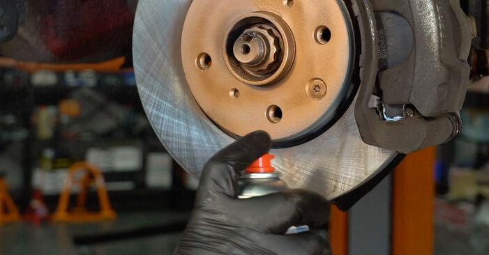 Wie Bremsbeläge PEUGEOT 407 (6D_) 1.6 HDi 110 2005 austauschen - Schrittweise Handbücher und Videoanleitungen