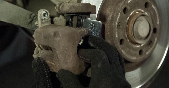 Wie schwer ist es, selbst zu reparieren: Radlager Peugeot 407 Limousine 2.0 16V 2010 Tausch - Downloaden Sie sich illustrierte Anleitungen