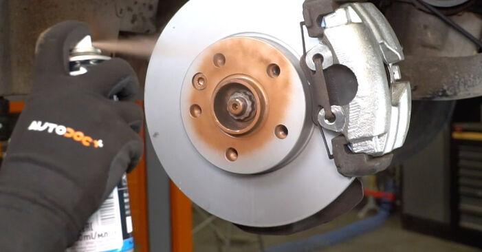 Hinweise des Automechanikers zum Wechseln von VW Transporter V Kastenwagen (7HA, 7HH, 7EA, 7EH) 1.9 TDI 2004 Koppelstange