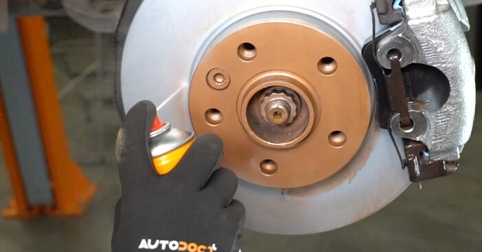 Wie man Koppelstange am VW T5 Kasten 2003 ersetzt - Kostenfreie PDF- und Videotipps