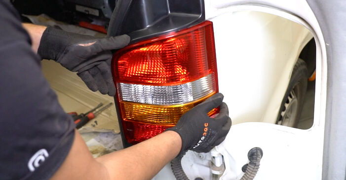 VW TRANSPORTER 2.5 TDI Tail Lights replacement: online guides and video tutorials