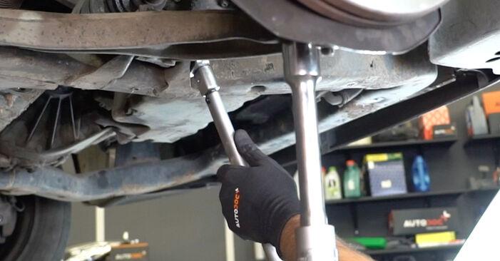 Comment retirer VW TRANSPORTER 2.5 TDI 2007 Rotule de Suspension - instructions en ligne faciles à suivre