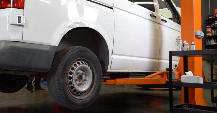 Bremssattel VW T5 Kasten 1.9 TDI 2005 wechseln: Kostenlose Reparaturhandbücher