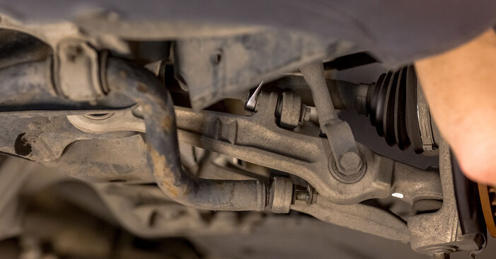 How hard is it to do yourself: Anti Roll Bar Links replacement on Audi A4 b6 2.5 TDI 2001 - download illustrated guide