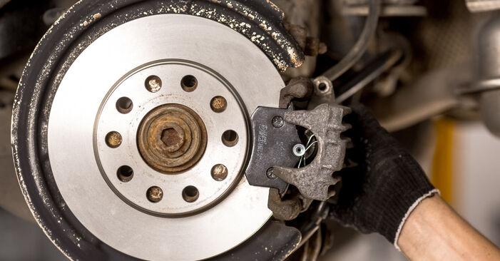 Išsamios Audi A4 b6 2003 1.6 Stabdžių Kaladėlės keitimo rekomendacijos