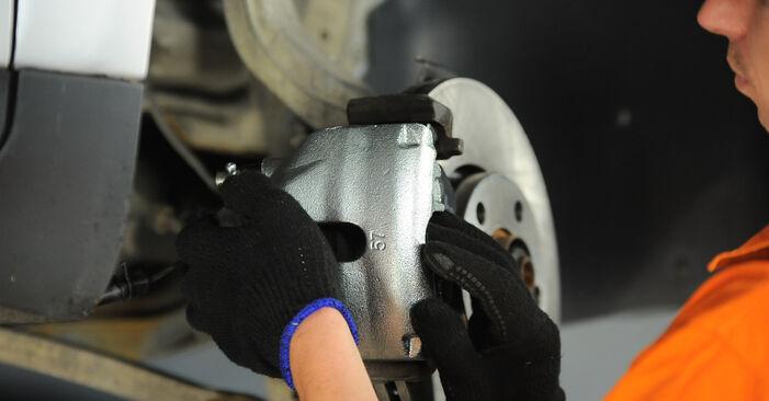 Wechseln Bremssattel am AUDI A4 Limousine (8E2, B6) 1.8 T 2003 selber