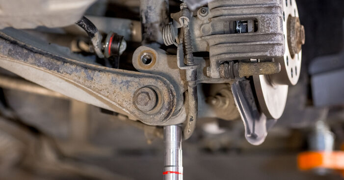 How to replace Shock Absorber on AUDI A4 Saloon (8E2, B6) 2000: download PDF manuals and video instructions