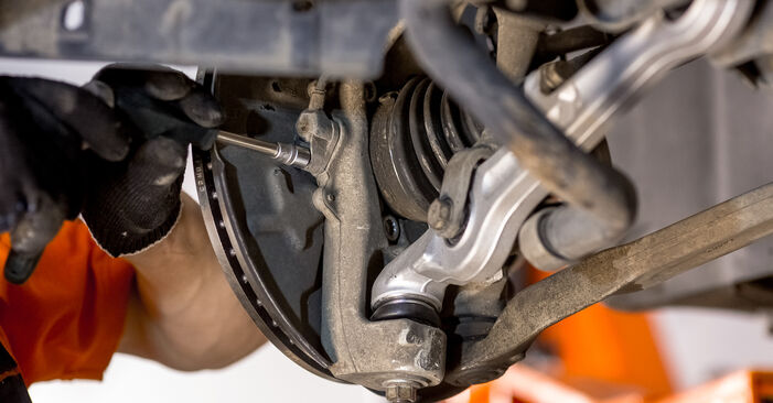 AUDI A4 1.9 TDI Wheel Bearing replacement: online guides and video tutorials