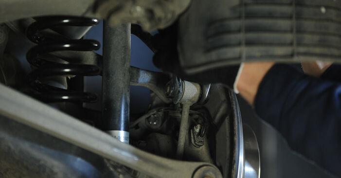 Mennyire nehéz önállóan elvégezni: Mercedes W211 E 320 CDI 3.0 (211.022) 2008 Összekötőrúd cseréje - töltse le az ábrákat tartalmazó útmutatót